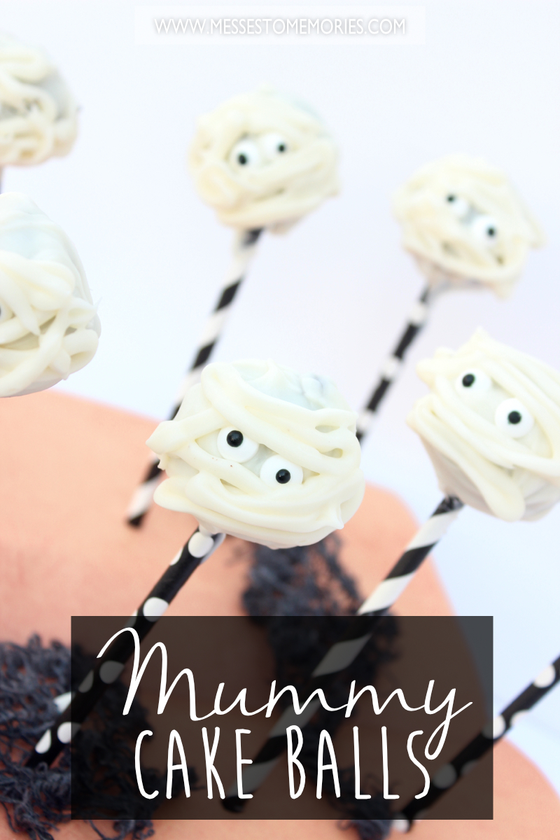 Mummy Cake Balls! Oooh! The kids will love this Halloween Treat!